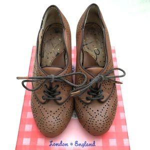 Vintage style heels
